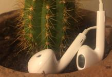 Titelbild - Varför får jag elektriska stötar av mina hörlurar?