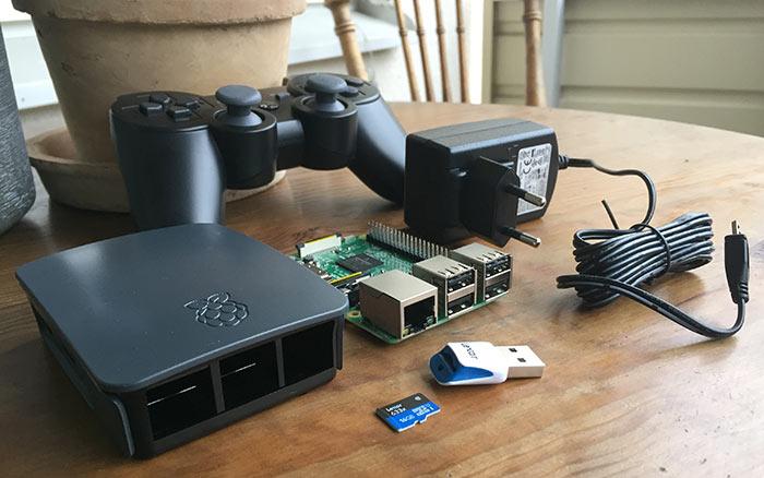 Raspberry Pi - RetroPie - Handkontroll - PS3 - Minneskort - Strömadapter