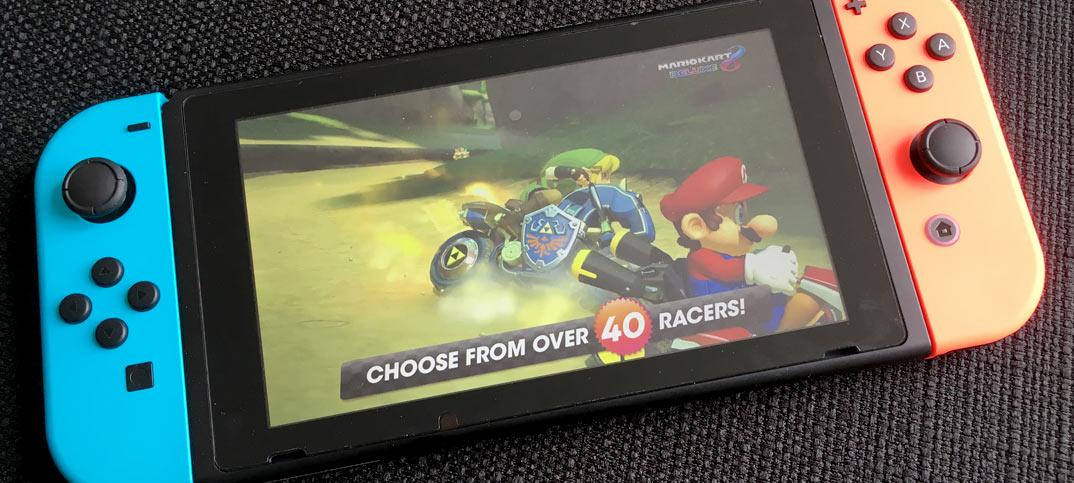 Nintendo Switch stäms av Gamevice för Switch-kontroller
