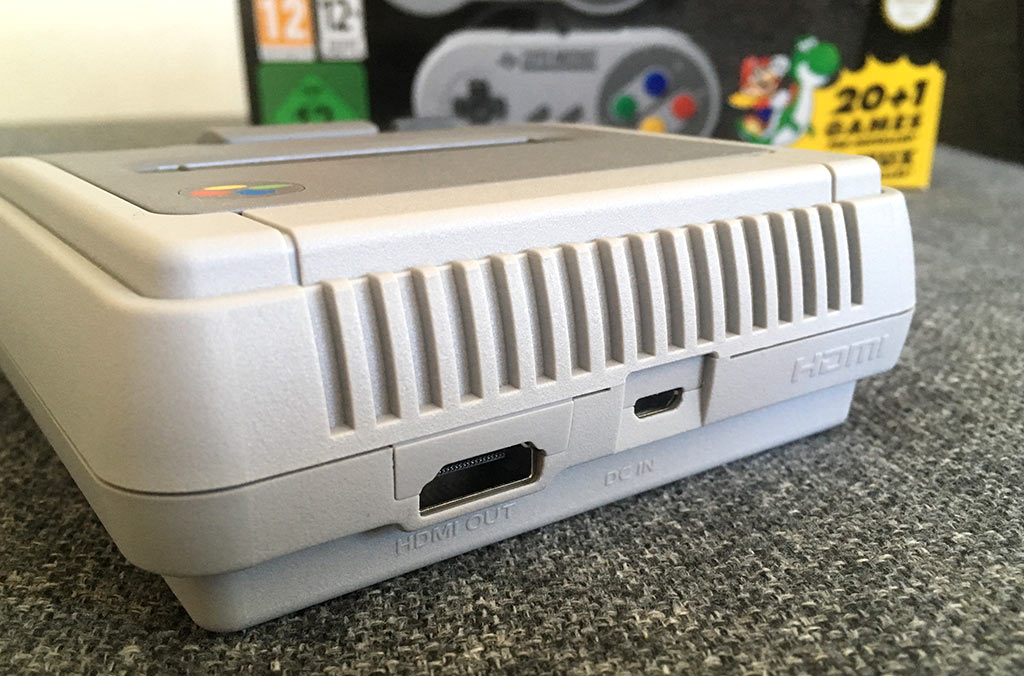 SNES Classic Mini - Baksida - HDMI - Micro-USB