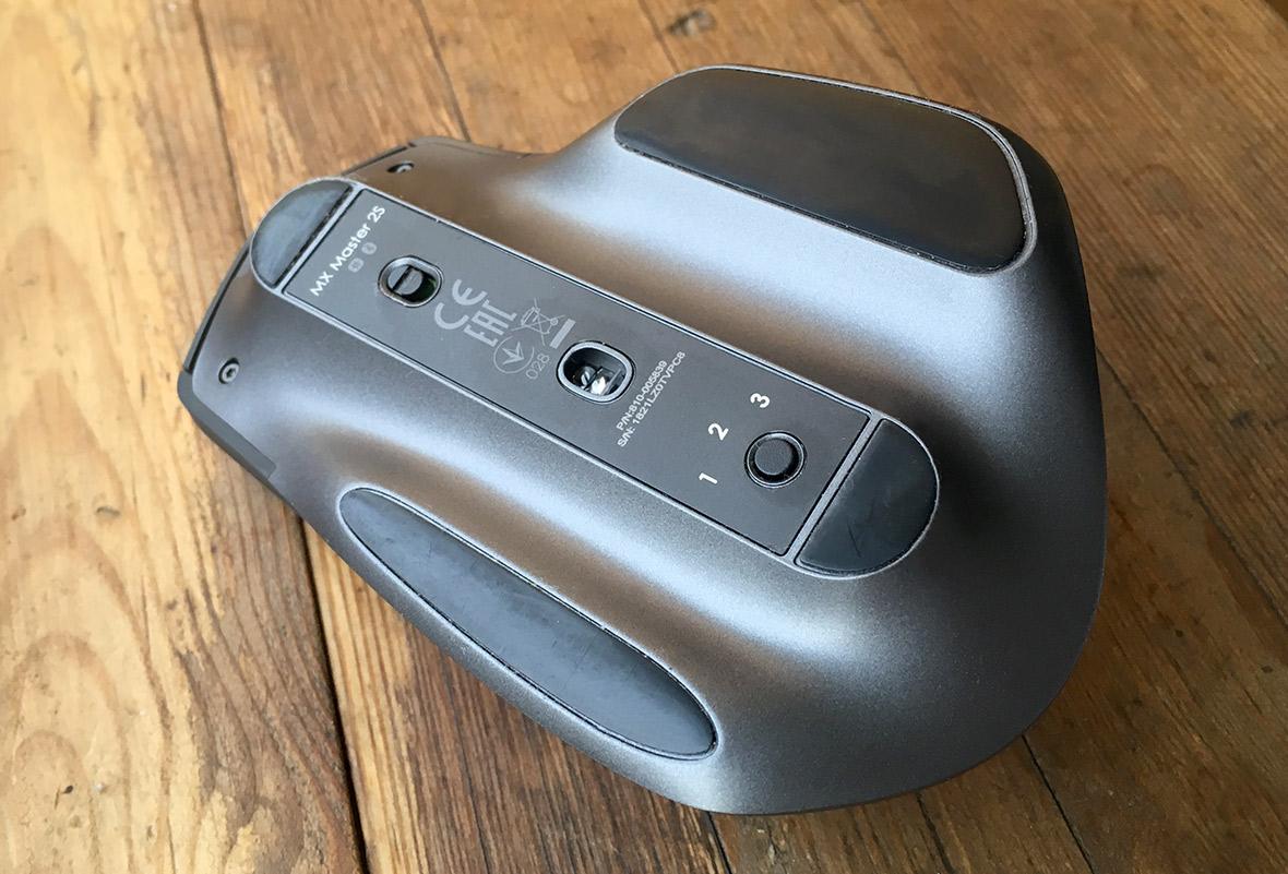 Logitech MX Master 2S - Undersida - Knappar
