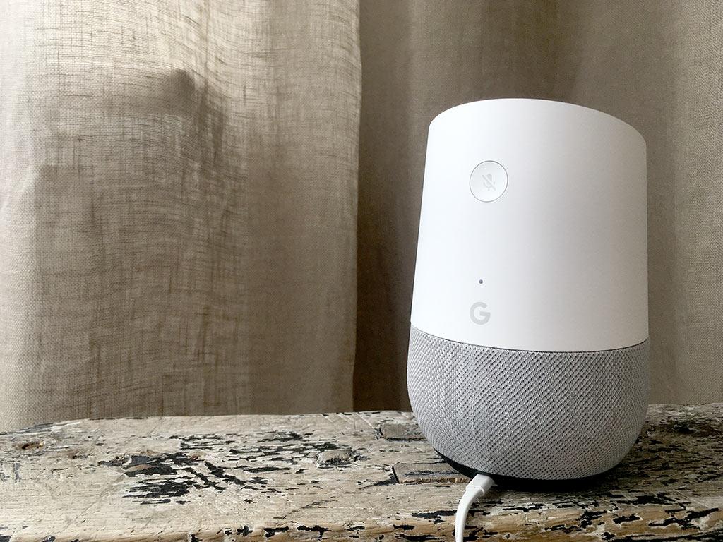 Google Home - Stäng av mikrofon - Baksida